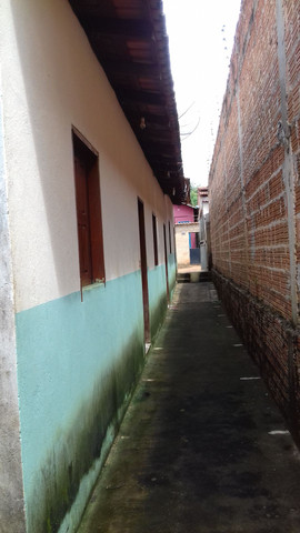 Vendo casa com 4 kitnet  - Foto 4
