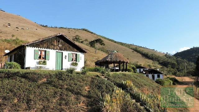 Fazenda com 588,71 hectares, situada na estrada Friburgo-Teresópolis, na altura de Vieira