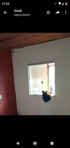 Casa com 2 quartos , Área grande, portão eletrônico,quarto com suíte - Foto 3