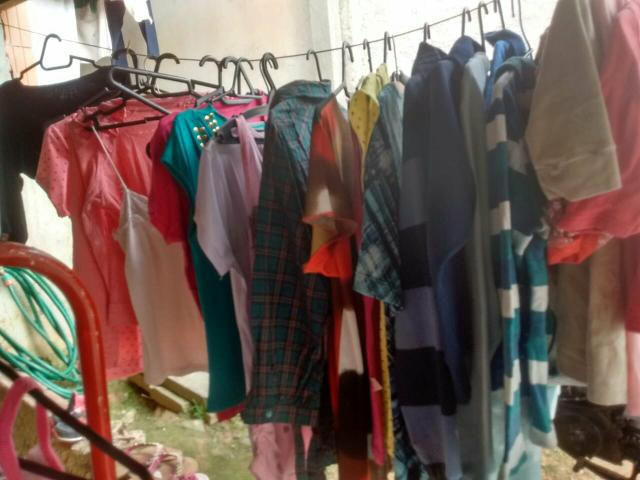 Vendo um lote de roupas e sapato para brechó em prefeito sestado - Foto 2
