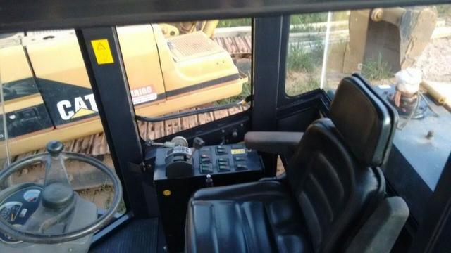 """Rolo compactador """"SEM Caterpillar"""" 8218 liso com kit pata ano 2013 500 horas n volvo jcb - Foto 5"""