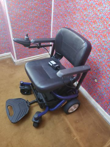 Cadeira de rodas pouquíssimo usada - Foto 6