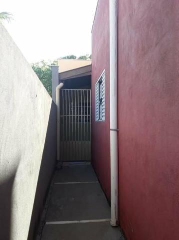 Aluga se casa 1 quarto,sala,cozinha,banheiro,lavanderia e área