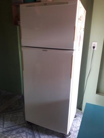 Geladeira frost Free R$400