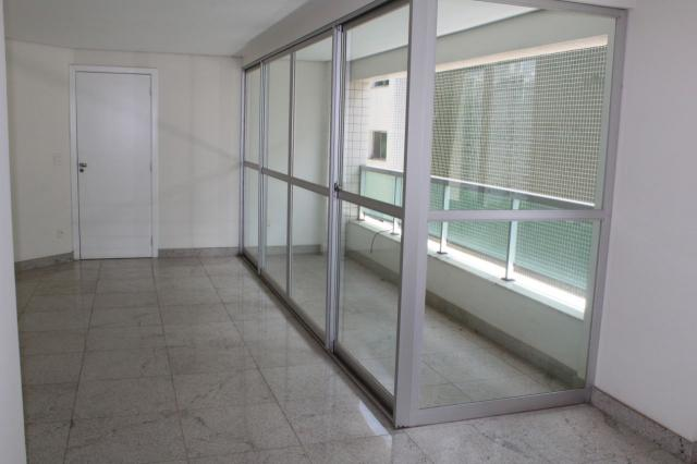 Oportunidade - apto. 4 quartos, ampla sala de estar, varanda, 2 vagas, elevador e ótima lo - Foto 3