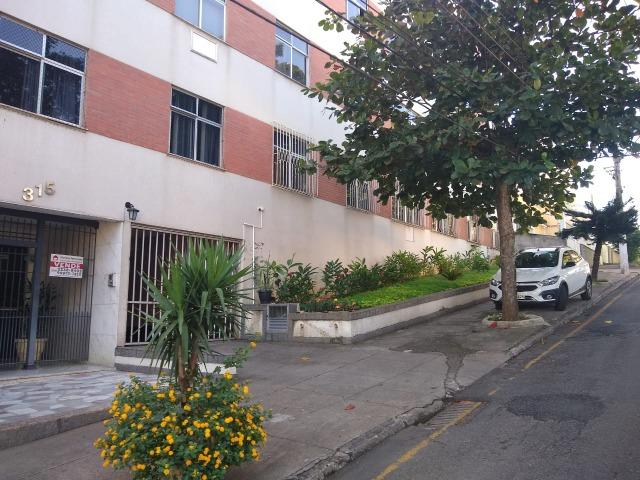 Apartamento recém reformado, de 3 dormitórios, 2 banheiros no Jardim Amália !