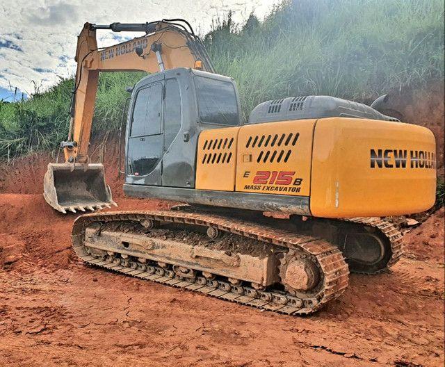 Escavadeira New Roland E215b