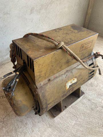 Gerador trifásico de 20 KVA - Foto 2