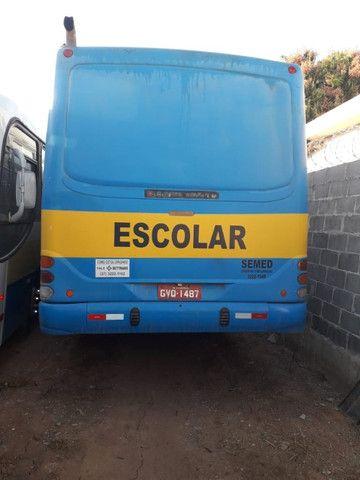 Onibus urbano escolar. Um MWM 16180 2003 e um MB 2003 - Foto 4