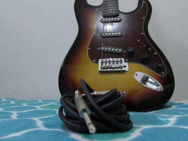 Guitarra Giannini Strato 3 Singles G100 Sunburst e Acessorios - Foto 2