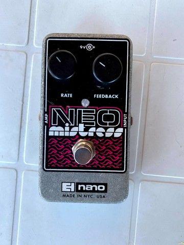 Pedal flanger Neo Mistress Electro Harmonix - Foto 2