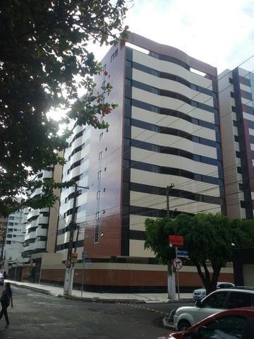 Golden park apartamento novo na ponta verde
