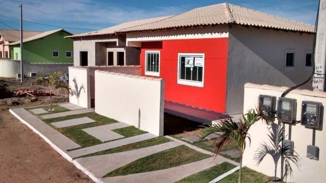 Casa na beira da praia rua asfaltada Unamar
