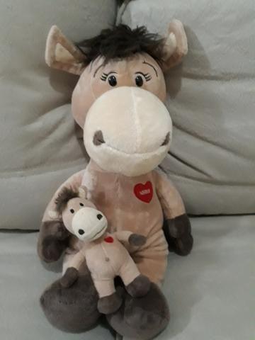 Cavalo Nestlé com cavalinho