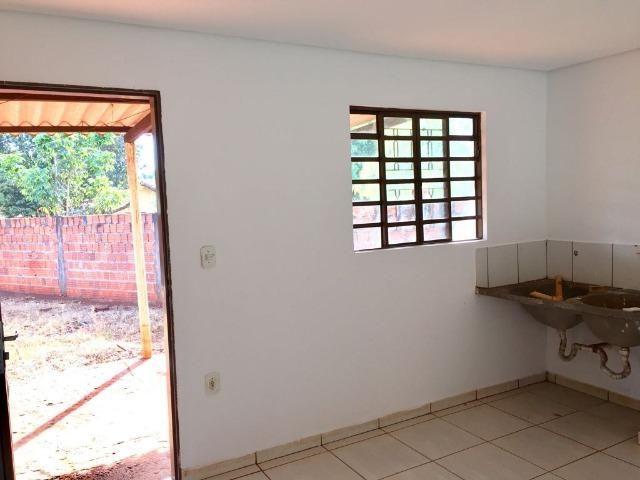 Casa com 2 quartos e quintal no Canaa 1 - Foto 7