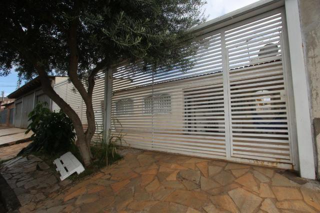 Casa em Taguatinga Norte - 03 Quartos Sendo 02 Suítes - Lote De 200 m²