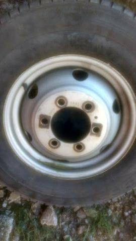 Roda Iveco Daily ORIGINAL aro 16 c/pneu (Tenho 3 Unidades) - Foto 2