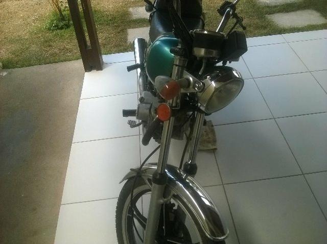Vendo moto Suzuki - Foto 2