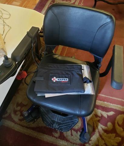 Cadeira de rodas pouquíssimo usada - Foto 3