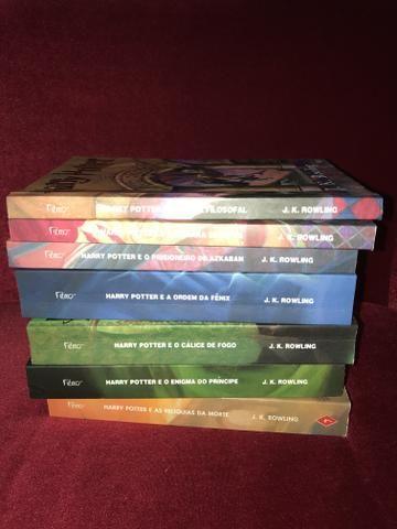 Vendo coleção de livros do Harry Potter