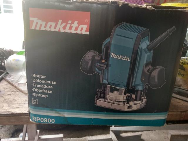 Tupia de coluna Makita RP0900