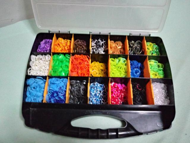 Vendo kit completo de elasticos para pulseiras - Foto 2