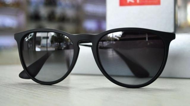 25aba12ba Óculos de Sol Ray Ban Erika Preto Polarizado RB4171 Unissex - Foto 5