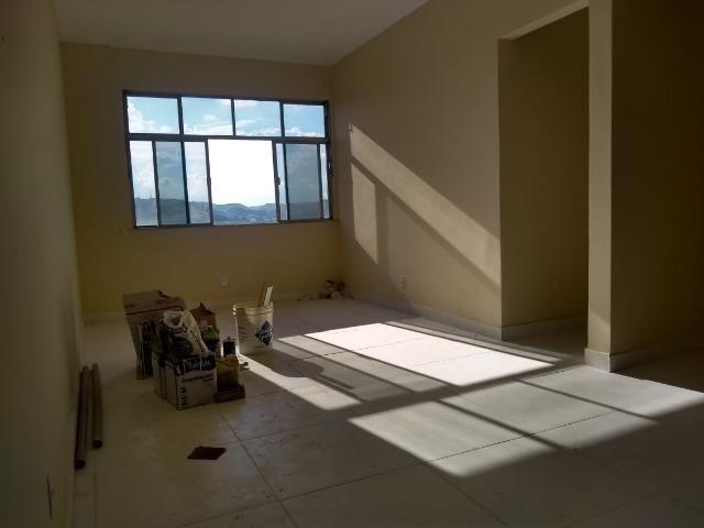 Apartamento recém reformado, de 3 dormitórios, 2 banheiros no Jardim Amália ! - Foto 4