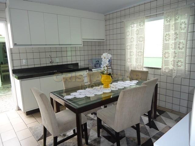 Casa econômico com 03 dormitórios, á 900m da Praia de Bombas. Cód.025 - Foto 2