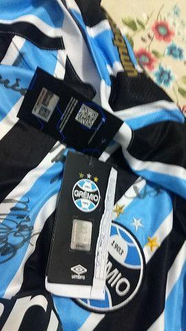 Camisa do Grêmio autógrafada - Foto 3