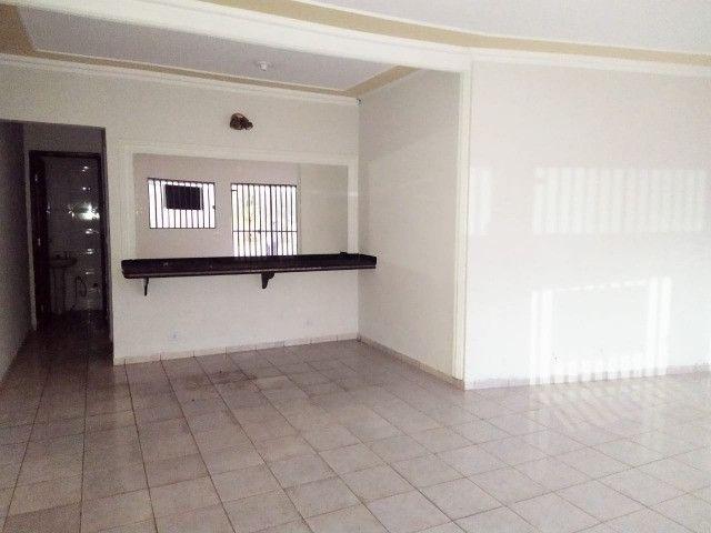Excelente Casa Com 2 Quartos + Salão a Venda no Bairro Monte Castelo - R$ 315mil - Foto 7