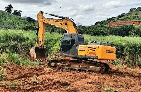 Escavadeira New Roland E215b  - Foto 3