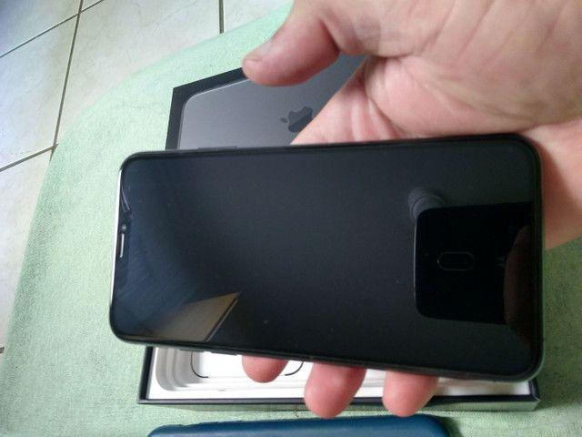 Vendo ou troco iPhone bateria 100% 11pro max 64g  R$ 6.000 - Foto 5