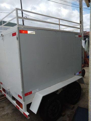 Reboque baú 2 eixos, 1500 kg de carga R$ 8000 - Foto 4