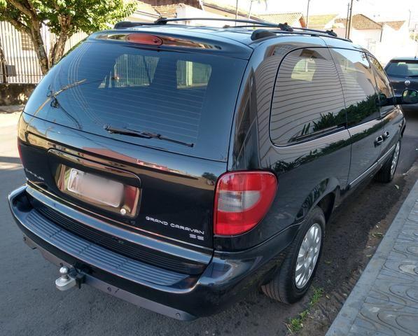 Chrysler Grand Caravan SE 3.3 V6 - Segundo dono- Placa A- Leiam - Foto 2
