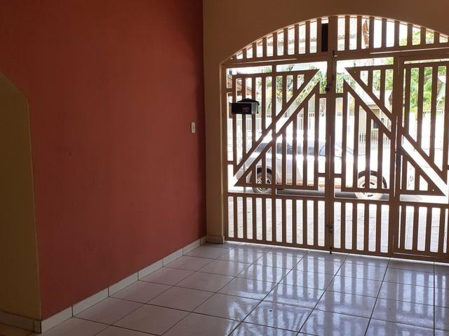 ALUGUEL | Casa no Centro à poucos metros da orla - Foto 3