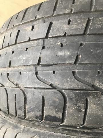 4 pneus 235 40 18 SEMI NOVOS 90% DE BORRACHA RUNFLET - Foto 3