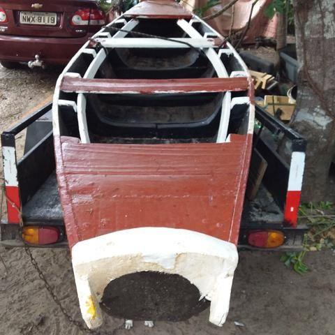 Vendo canoa de madeira