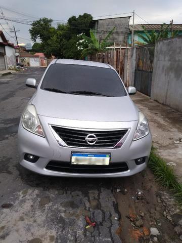 Nissan Versa Completo