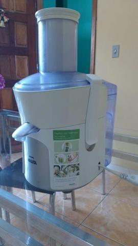Vende-se máquina de fazer sucos
