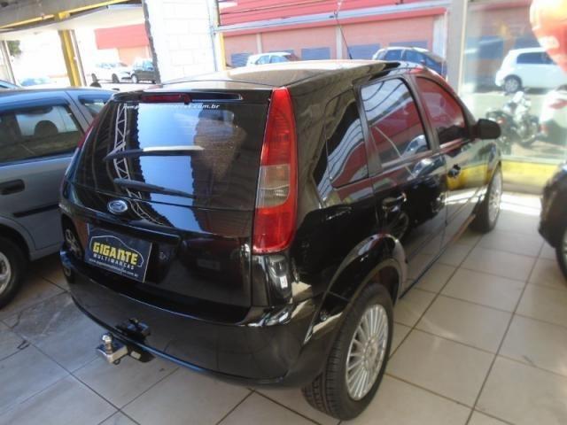 Ford Fiesta Personnalite 1.0  Preto - Foto 5