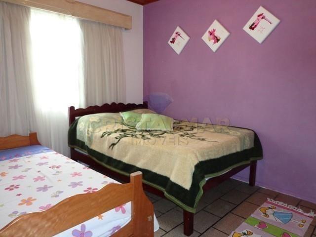Casa econômico com 03 dormitórios, á 900m da Praia de Bombas. Cód.025 - Foto 11