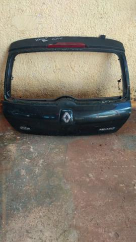 Tampa traseira renault Clio hatch