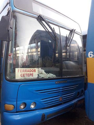 Onibus urbano escolar. Um MWM 16180 2003 e um MB 2003 - Foto 3