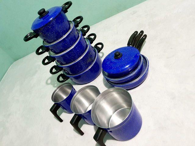 Jogos de panelas e utensílios na cor azul. - Foto 3