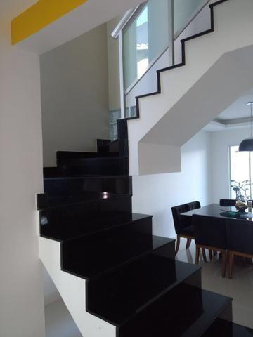 Linda casa em Itaipu com três suítes ampla sala, piscina, churrasqueira - Foto 8