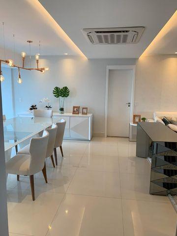 Vende-se Maravilhoso Apartamento no Ed. Mirage Bay com 4 suítes, 3 vagas - Foto 2