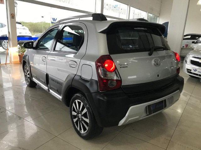Toyota Etios Cross 1.6 2017 - Foto 2