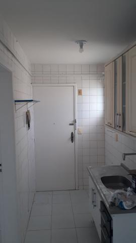 Alugo apartamento no condomínio parque das acácias