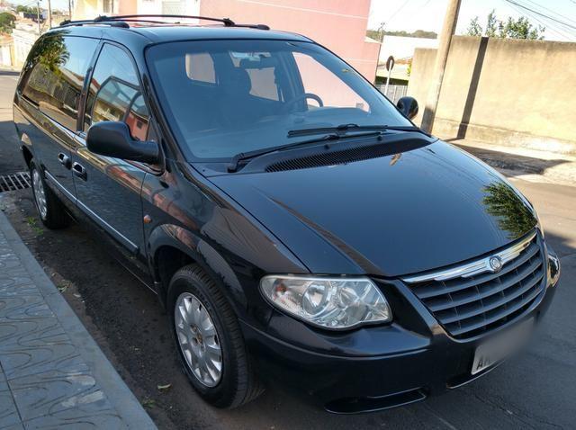 Chrysler Grand Caravan SE 3.3 V6 - Segundo dono- Placa A- Leiam - Foto 5